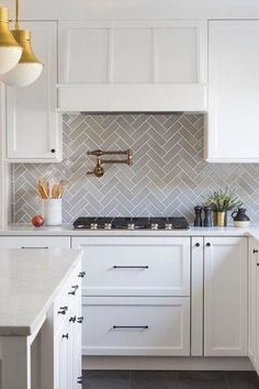 When it comes to kitchen design, subway tile is easily one of the most timeless ways to give your cook space some classic flair. Here are 10 beautiful subway tile kitchen backsplash ideas to inspire your next culinary reno. Gray Kitchen Backsplash, Kitchen Tiles, New Kitchen, Herringbone Backsplash, Backsplash Tile, Country Kitchen, Backsplash For White Cabinets, Backsplashes With White Cabinets, White Cabinet Kitchen