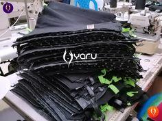 YARU confecciona fajas en latex, powernet, neopreno y poliester con rigurosos procesos de calidad. Usamos telas, hilos e insumos de alta calidad, para que los productos cumplan los alto estandares en los diferentes paises. Waist Training, Gym Bag, Sportswear, Small Waist Workout, Lower Back Exercises, Waist Workout