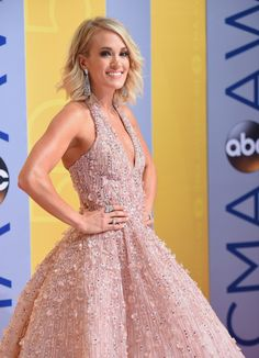 Carrie Underwood at the red carpet for the CMA awards 2016