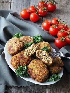 Kotlety mielone z cukinią i fetą Polish Recipes, Tandoori Chicken, Good Food, Dinner Recipes, Healthy Recipes, Healthy Foods, Food And Drink, Menu, Favorite Recipes