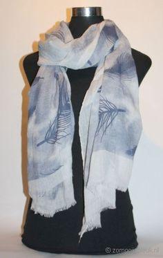 Sjaal met veertjes print