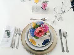 Jantar romântico, produção, dia dos namorados, amor, rosa, azul, amarelo, flores, mesa posta, delicado, presente, concretize, realce.