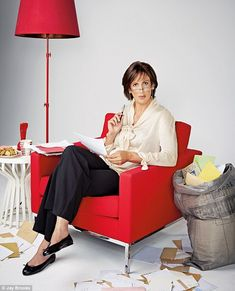 Yes, I know it's Miranda Hart, but I love how she has trousers, a classy top and flat ballerina pumps. Classic styling.