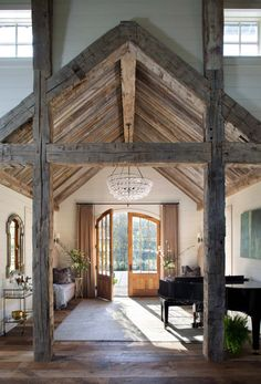 Take a peek inside this gorgeous entertainment barn in Tennessee This beautiful country home was custom designed as an entertainment barn by Norris Architecture, nestled on 20 acres in Memphis, Tennessee. Style At Home, Home Interior Design, Interior And Exterior, Interior Doors, Modern Interior, Wood Interior Walls, Natural Interior, French Interior, Arched Doors