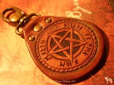 Jeweleeches Vivian Hebing handmade leather keychain with pentagram! You can also find me on facebook or Etsy! Or my webshop: www.jeweleeches.nl