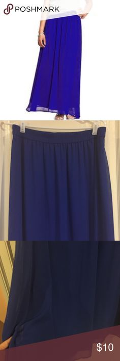 """Old Navy Royal Blue Chiffon Maxi Skirt Worn twice only. Royal blue Maxi skirt. Like new condition. Has an elastic waistband/ fully lined. Both shell and exterior made of polyester. Length of skirt 39"""". Old Navy Skirts Midi"""