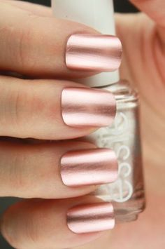 Cool Fall Wedding Nails Ideas Rose gold nail polish for your wedding!Rose gold nail polish for your wedding! Rose Gold Metallic Nails, Rose Gold Nail Polish, Polish Nails, Matte Pink, Blush Pink Nails, Gold Manicure, Nail Pink, Gorgeous Nails, Pretty Nails