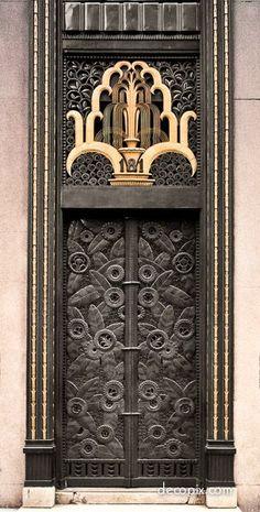 Decopix - The Art Deco Architecture Site - Art Deco Metalwork Gallery Door located at Fifth Avenue and Street, NYC Cool Doors, Unique Doors, Architecture Art Nouveau, Architecture Details, Arte Art Deco, Site Art, Art Deco Stil, Knobs And Knockers, Nyc Art