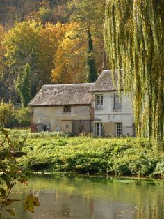 house by river in normandy My French Country Home, French Farmhouse, All Over The World, Around The Worlds, News Website Design, European House, Tiny Spaces, Tiny House Living, Stone Houses