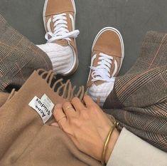 guys shoes aesthetic * guys shoes - guys shoes casual - guys shoes sneakers - guys shoes nike - guys shoes fashion - guys shoes aesthetic - guys shoes vans - guys shoes sneakers for men Cream Aesthetic, Brown Aesthetic, Converse Bleu, Ulzzang, Style Streetwear, Look Fashion, Womens Fashion, Korean Fashion, Jeans Boyfriend