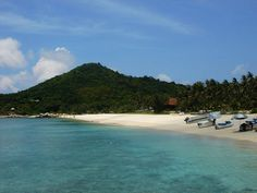 Lay on the beaches of Bali island, a truly paradise on earth. http://heaven-view.blogspot.com