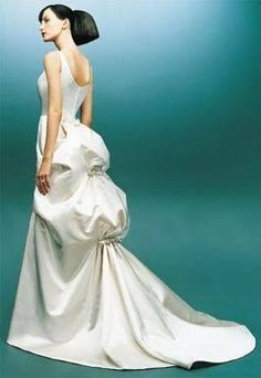 old fashioned bustle back gown has been reintroduced into the wedding dress world as a whimsically modern incorporation Wedding Gown Bustle, Bustle Dress, Wedding Dress Train, Gorgeous Wedding Dress, White Wedding Dresses, Bridal Gowns, Wedding Gowns, Dresser, Cosplay