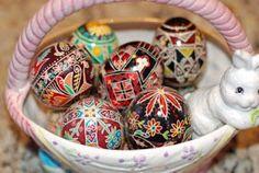 that artist woman: Pysanky - Ukrainian Easter Eggs