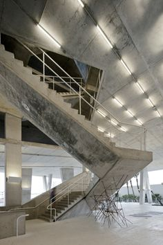 1111 Lincoln Road, Miami Beach, USA - Multi-use Car Park, Shop, Event Space By Herzog and de Meuron Concrete Stairs, Concrete Houses, School Architecture, Residential Architecture, Civil Engineering Construction, Contemporary Museum, Lincoln Road, Black Interior Design, Miami Beach