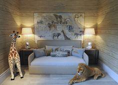Nursery Ideas. Giraffe and Lion. Animal Art. Neutral colors. Aleksandra Miecznicka »