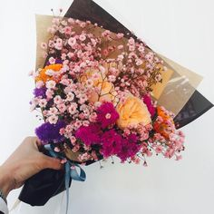Keep your flower stems long, because you'll only must trim, and make a loose arrangement with a couple varieties Bunch Of Flowers, My Flower, Wild Flowers, Beautiful Flowers, Bloom Where Youre Planted, Plants Are Friends, No Rain, Planting Flowers, Flower Arrangements