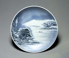 Tokiyo National Museum. Nabeshima Ware porcelain.Design of snowscape in underglaze blue. Edo period.