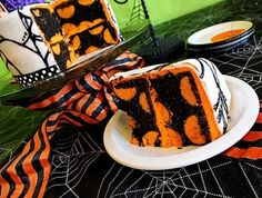 halloween cake! Im doing this inside of a white marshmellow fondant w/black spider webs
