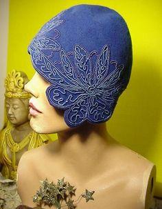 1920s blue felt cloche