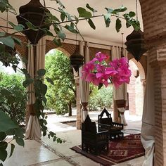 Moroccan Interiors, Bougainvillea, Vintage Textiles, Bath Decor, Summer Vibes, Interior Inspiration, Morocco, House Design, Table Decorations