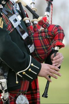 Good bagpipe music brings tears to my eyes and stirs my soul.... genetics are powerful!   Not a drop of Scottish blood but it does that for me.