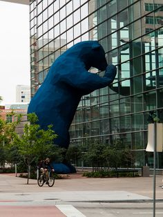 """The Colorado Convention Center's 40-foot-tall Blue Bear, """"I See What You Mean"""" designed by Denver artist Lawrence Argent. IMG_1986 LR, via Flickr."""