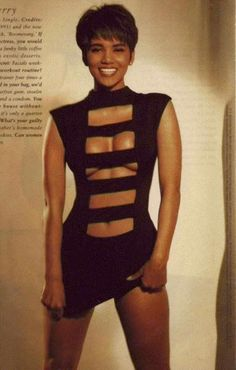 The only time I ever thought Halle Berry was as bad people said. Halle Berry Style, Halle Berry Hot, Look Fashion, 90s Fashion, Hally Berry, Manequin, Meagan Good, Miss Usa, Beautiful Black Women