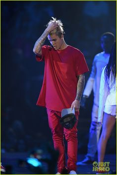 Justin Bieber & More Perform at MTV EMAs 2015 - Watch the Videos!: Photo Justin Bieber takes the stage at the 2015 MTV European Music Awards to perform his hit