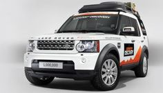 Land Rover announced that the Discovery has been produced at the Jaguar Land Rover plant in Solihull. To celebrate the event, Land Rover is taking the Disco and two additional vehicles on an expedition from Birmingham, UK, to Beijing, China. Steam Tractor, Automobile, Range Rover Classic, Jaguar Land Rover, Car Design Sketch, Expedition Vehicle, Land Rover Discovery, Range Rover Sport, Landing