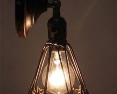 historické-nástenné-svietidlo-je-vhodné-pre-milovníkov-štýlového-bývania2 Retro, Light Bulb, Ale, Ceiling Lights, Lighting, Vintage, Home Decor, Cluster Pendant Light, Bulb Lights