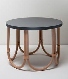 Image associée Table Desk, Dining Table, Home Furniture, Furniture Design, Arcade, Stool, Objects, Vase, Interior