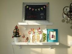 Christmas vignette shelves and other great christmas house decor ideas