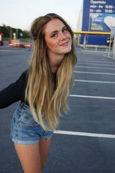 """Blonde Ombre Hair Color   ... can see """"ordinary"""" Ombre and with """"crazy colors"""". Which you like more"""