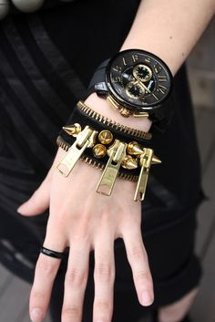 Black and Gold jewelry bracelets Emo Tumblr, Black And Gold Watch, Black Gold, Big Black, Black Leather, Zipper Bracelet, Zipper Jewelry, Spike Bracelet, Bracelet Watch