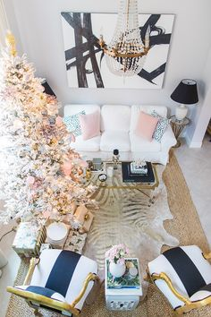 Palm Beach Lately decorates with pineapples and palms for Christmas