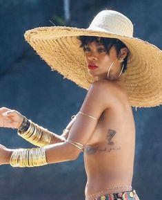 Rihanna - Data y Fotos Fenty Rihanna, Moda Rihanna, Rihanna Vogue, Style Rihanna, Best Of Rihanna, Christina Aguilera, Aaliyah, Lady Gaga, Beautiful Black Women