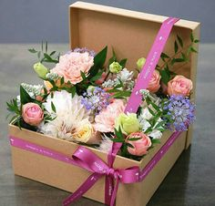 Image of vintage floral arrangements … – World of Flowers Flower Box Gift, Flower Boxes, Flowers In A Box, Deco Floral, Art Floral, Vintage Floral, Ikebana, Flower Decorations, Flower Designs