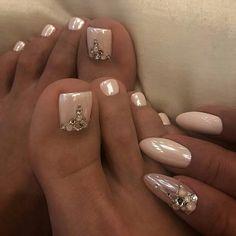 Trendy Ideas For Pedicure Nail Art Designs Toenails Wedding Toes Pretty Toe Nails, Cute Toe Nails, Gorgeous Nails, My Nails, Gold Toe Nails, Edge Nails, Diamond Nails, Bling Nails, Wedding Toes