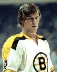 Bruins Hockey, Hockey Players, Bobby Orr, Hockey Cards, Boston Bruins, Nhl, Old School, Sexy Men, Legends