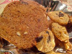 Tv: Familiens Gode SmåkagerTh: De gode Småkager uden sukker og gluten