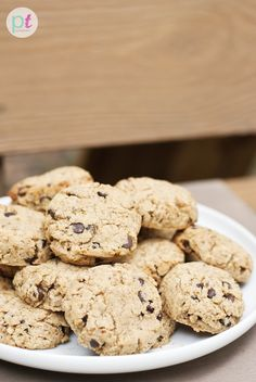 Soft Chocolate Chip Cookies with Coconut Flour and more of the best coconut flour cookies recipes on MyNatualFamily.com #coconutflour #recipes