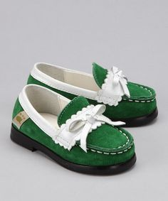 Adorable!! Green suede loafers by FoxPaw