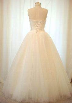 simlicity wedding dress