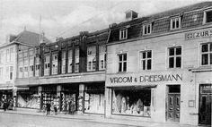 Vroom en Dreesmann aan de Geleenstraat voor de uitbreiding waarbij het café Zur Stadt Aachen erbij getrokken werd in1929. Datum van de opname ± 1928.