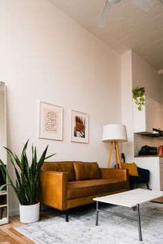 If you're in it for the long haul, decorating your apartment is never a bad idea! So turn your rental into a true home and try our easy apartment decorating hacks, we guarantee these decor ideas will inspire you and help you make your rental feel like your own.