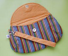 Diy Bags Easy, Simple Bags, Diy Bags Purses, Fabric Purses, Clutch Purse, Coin Purse, Clutch Pattern, Kids Bags, Cloth Bags