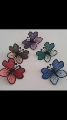 This Pin was discovered by Zer Needle Tatting, Needle Lace, Turkish Art, Point Lace, Butterfly Wings, Crochet Flowers, Diy Clothes, Needlework, Diy And Crafts