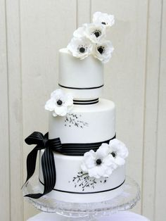 Wedding Cakes with Adorable Details - via Sugar Penguin Cakery