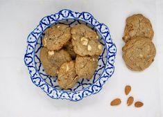 Cookies aux amandes et au chocolat blanc Cookies Et Biscuits, Desserts, Food, Baking Soda, White Chocolate, Almonds, Meal, Deserts, Essen