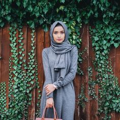 Love this matching knitted abaya and hijab from @moonboutik_  It's so warm and comfortable to wear  To get a 15% discount use the code: TASLIM #hijabfashion #modestfashion #ootd